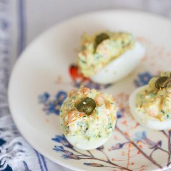 легкие яйца с креветками и легким майонезом_